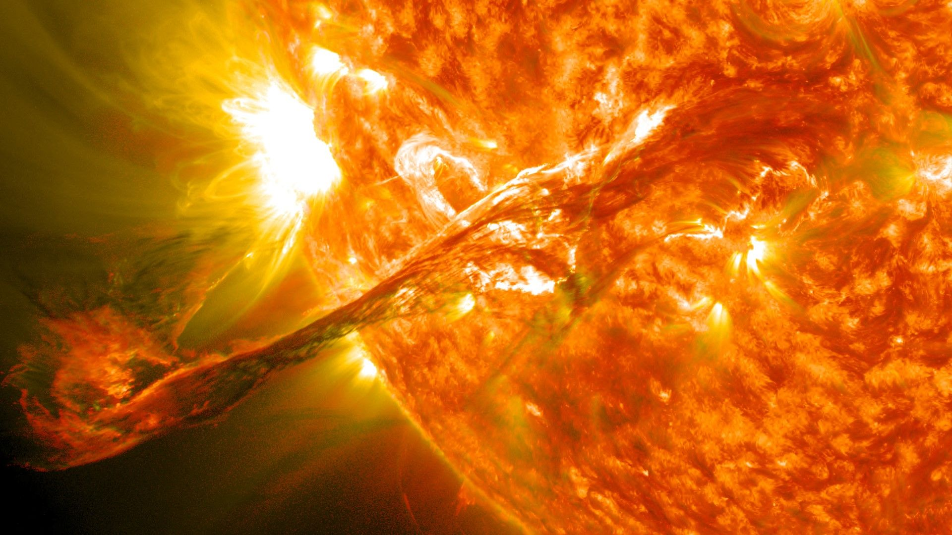 Новопоявило се петно на Слънцето вещае промяна