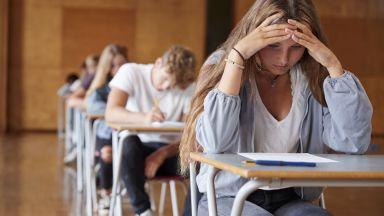Новата учебна година започва присъствено за всички ученици