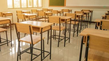 Ден на траур в училището на починалото 13-годишно момиче от Враца