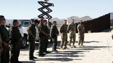 Meксико разположи 15 хиляди гвардейци по границата със САЩ