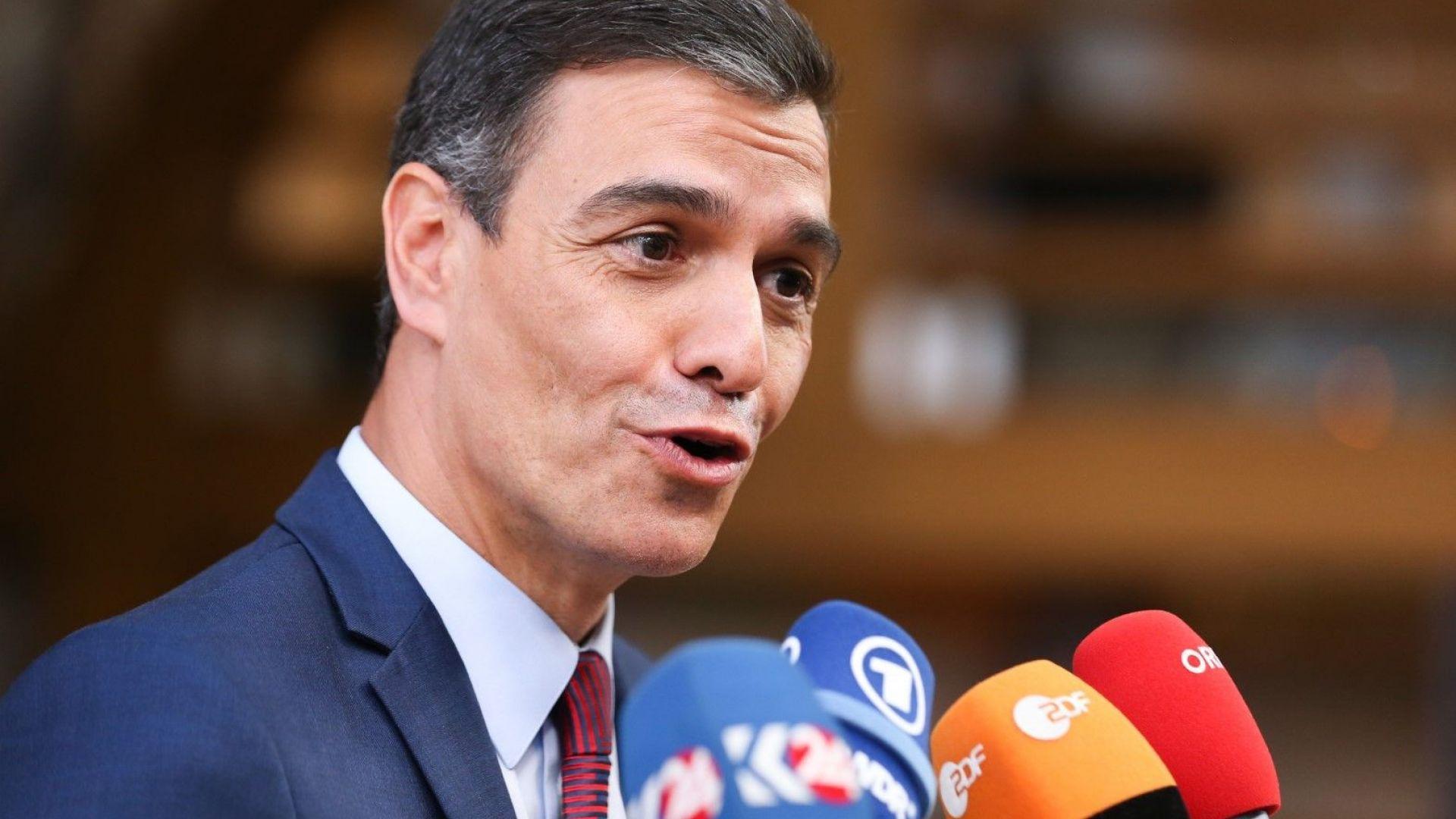 Кралят натовари социалиста Педро Санчес да състави правителство