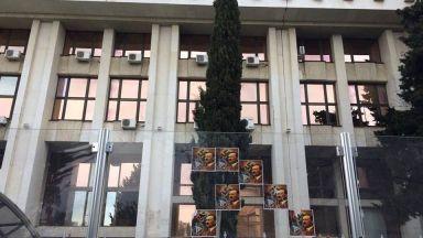 Проверяват прокурор, отказал проверка за разлепени плакати с Хитлер