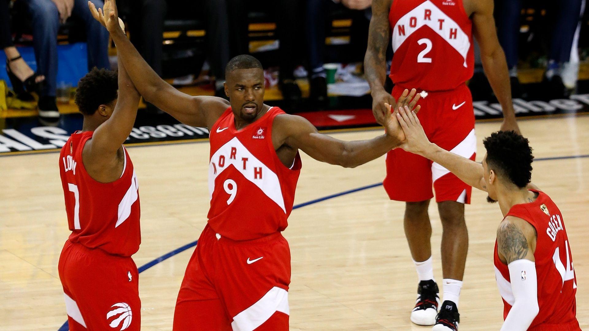 Победа №3 и Торонто е на крачка от титлата