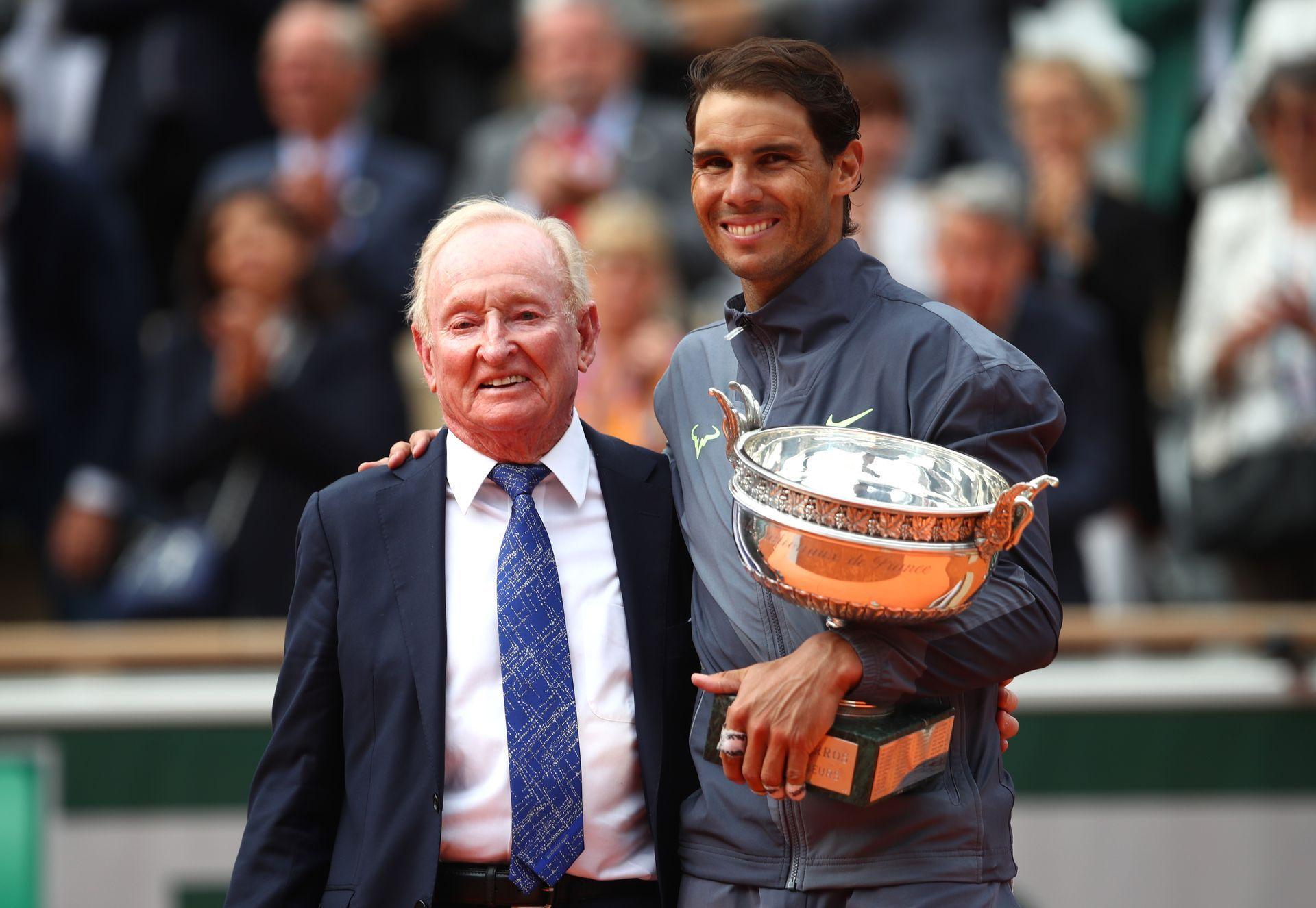 С Род Лейвър, последния тенисист с Голям шлем в рамките на календарна година. Той награди Надал в неделя