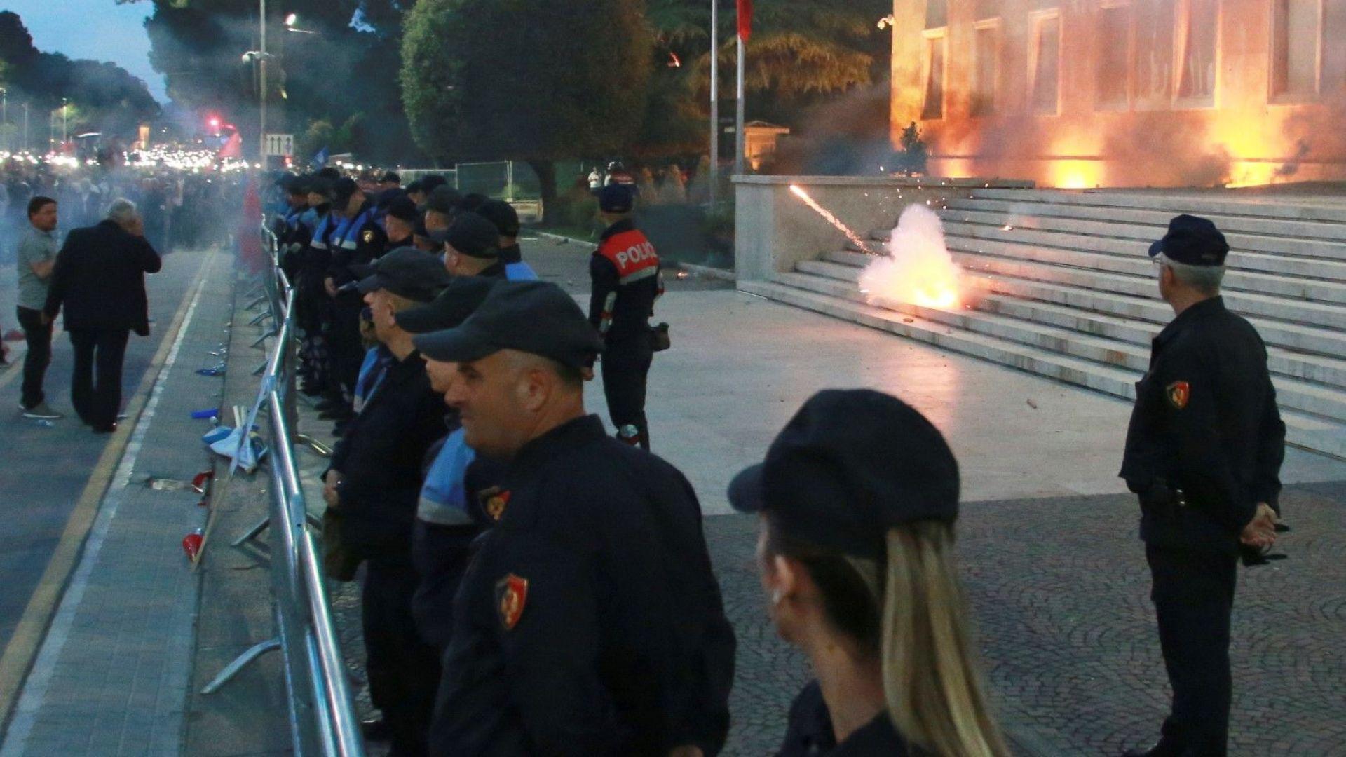 Правителството на Албания поиска вот на недоверие на президента