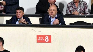 Боби Михайлов се изниза след позора (видео)
