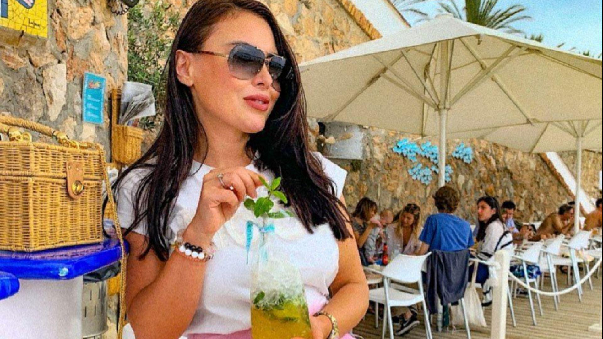 Лили Ангелова се отдаде на слънчеви емоции в Барселона