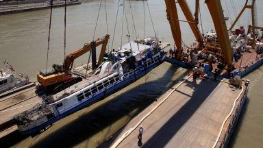 Извадиха корабчето на смъртта в Будапеща и още тела - едното на 6-годишно момиченце (видео)