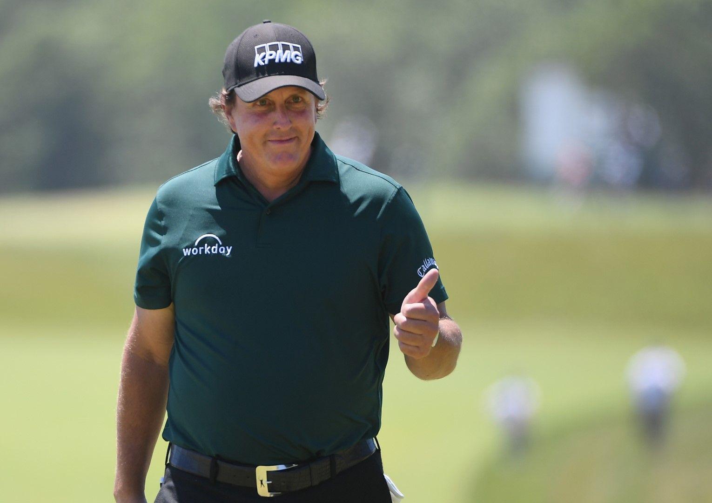 19. Фил Микълсън, голфър; 48,4 млн. долара. Един от малкото, на чиито повечето от приходите идват от рекламни договори - 36 млн. долара. Но в голфа е така.