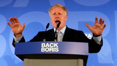 Привърженик на ЕС, отпаднал от надпреварата, подкрепи Борис Джонсън