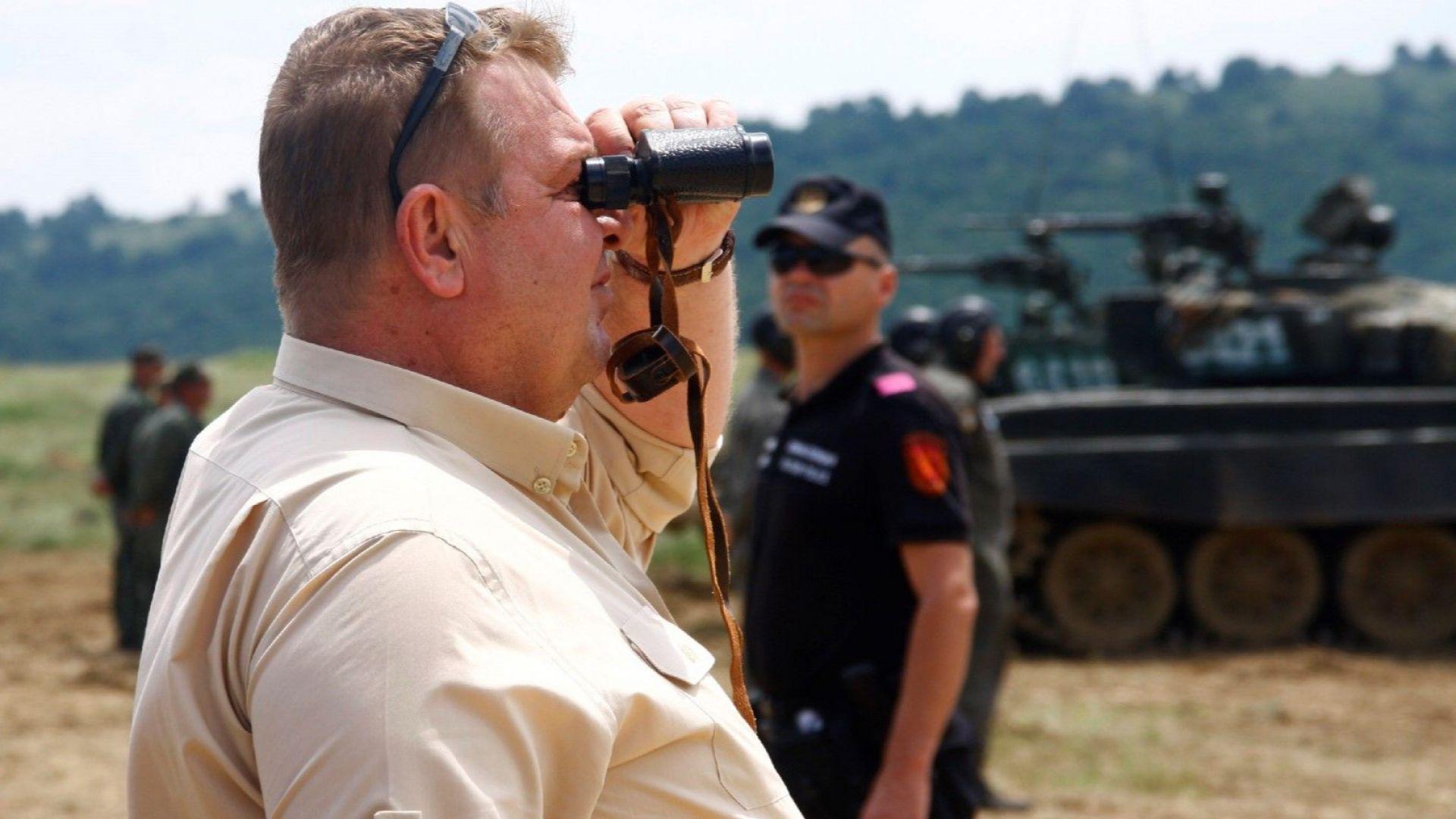 Каракачанов отговори на Сидеров: Ще го взема войник