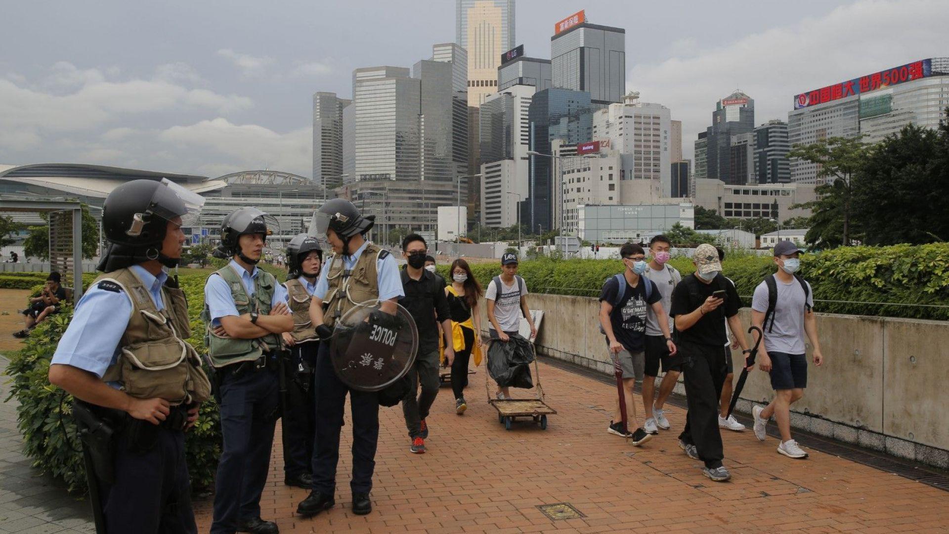 След масовите протести парализа в Хонконг: властта затвори врати