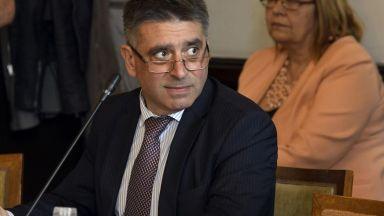 Данаил Кирилов подава оставка, ако мониторингът не отпадне до ноември