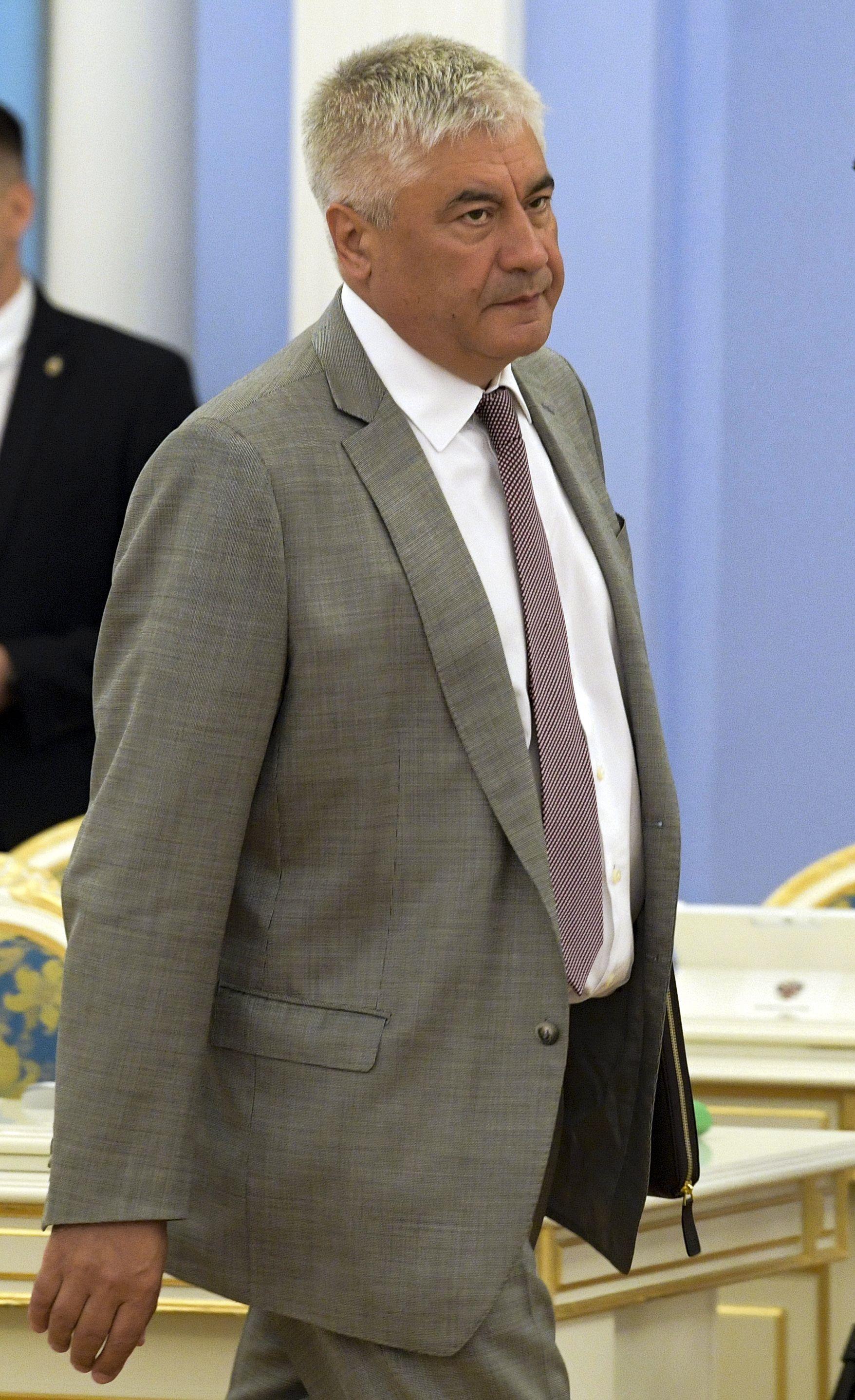 Министърът на вътрешните работи Владимир Колоколев пристига на заседание на кабинета в резиденция Горки извън Москва