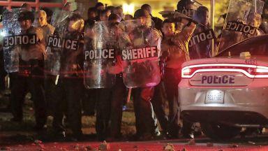 Сблъсъци в Мемфис заради застрелян чернокож, 24 полицаи са ранени (видео)