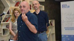 Фоторепортерът Веселин Боришев е бил задържан заради снимане на полицаи