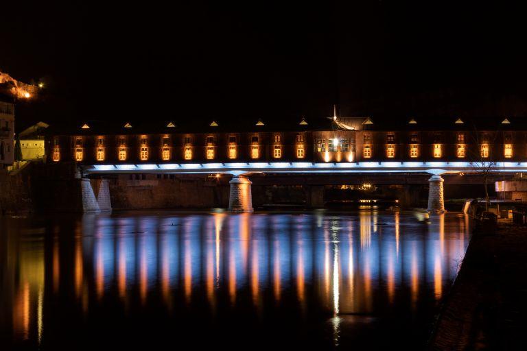 Покритият мост by night