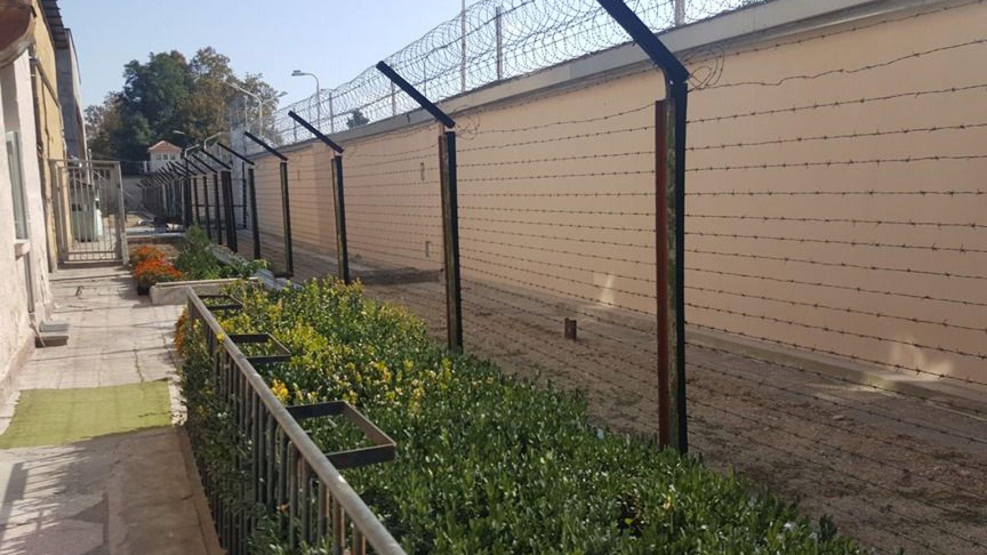 Издирвали с кучета избягалите молдовци от затвора в Стара Загора