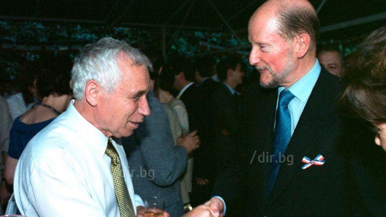 Жельо Желев и Симеон Сакскобургготски на 14 юли 2001 г. във френското посолство