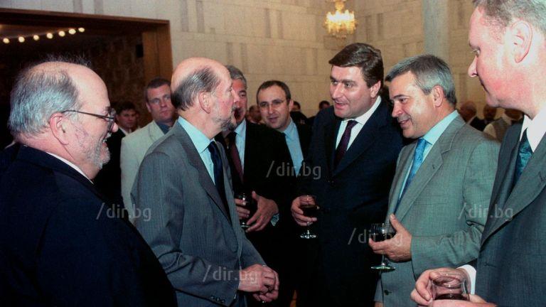 Симеон II на прием в руското посолство на 26 септември 2001 г.