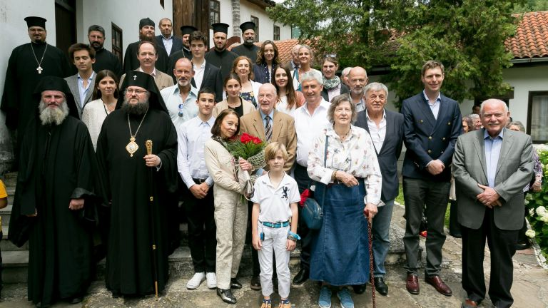 Симеон II заедно със семейството му в Черепишкия манастир