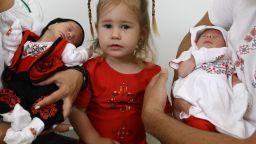 След 4 загуби и 15 години болка, Албена се прибира у дома с 3 деца