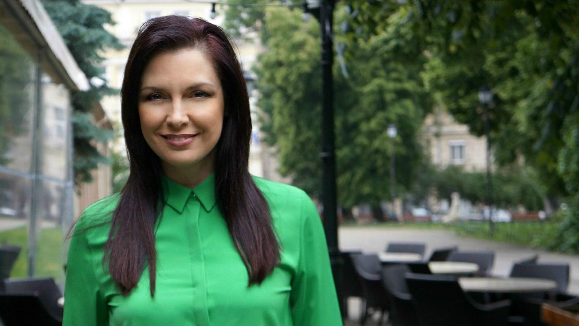 Жени Калканджиева: Стараех се да изглеждам строга и недостъпна