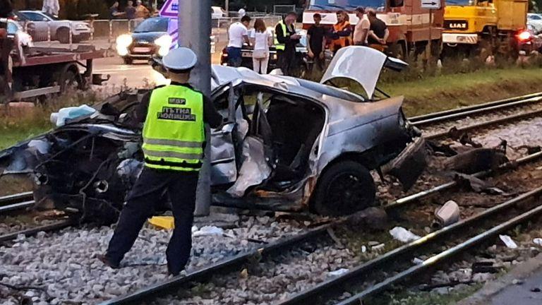 Жена загина след жестока катастрофа в София