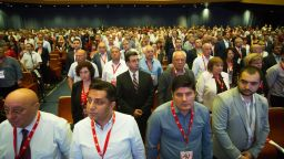 Знакови членове на БСП настояват за спешно заседание на Националния съвет на партията