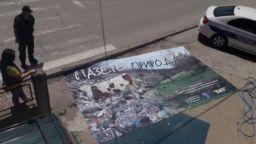 Провокация в Босилеград : Унищожиха билборд на българския културен център