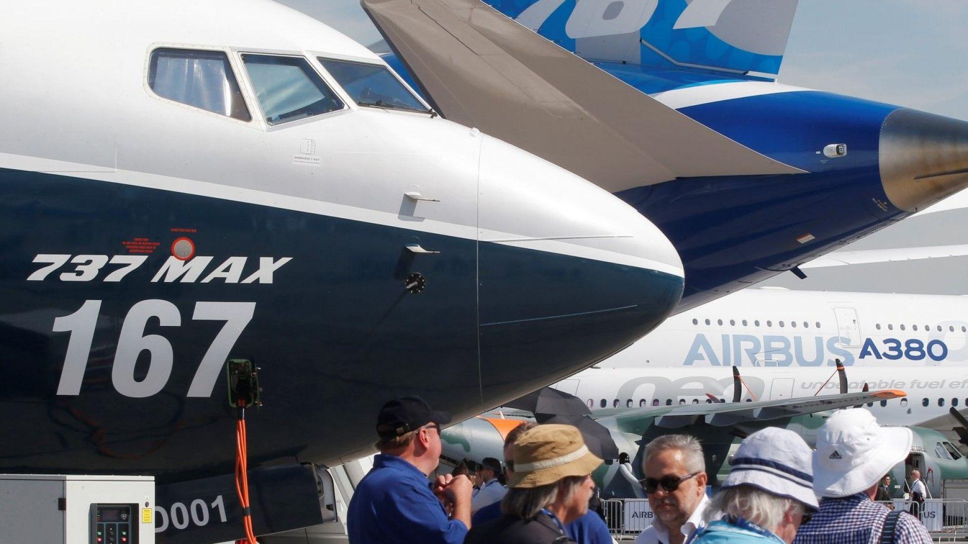 Юнайтед еърлайнс отложи възобновяването на полетите с Боинг 737 МАКС