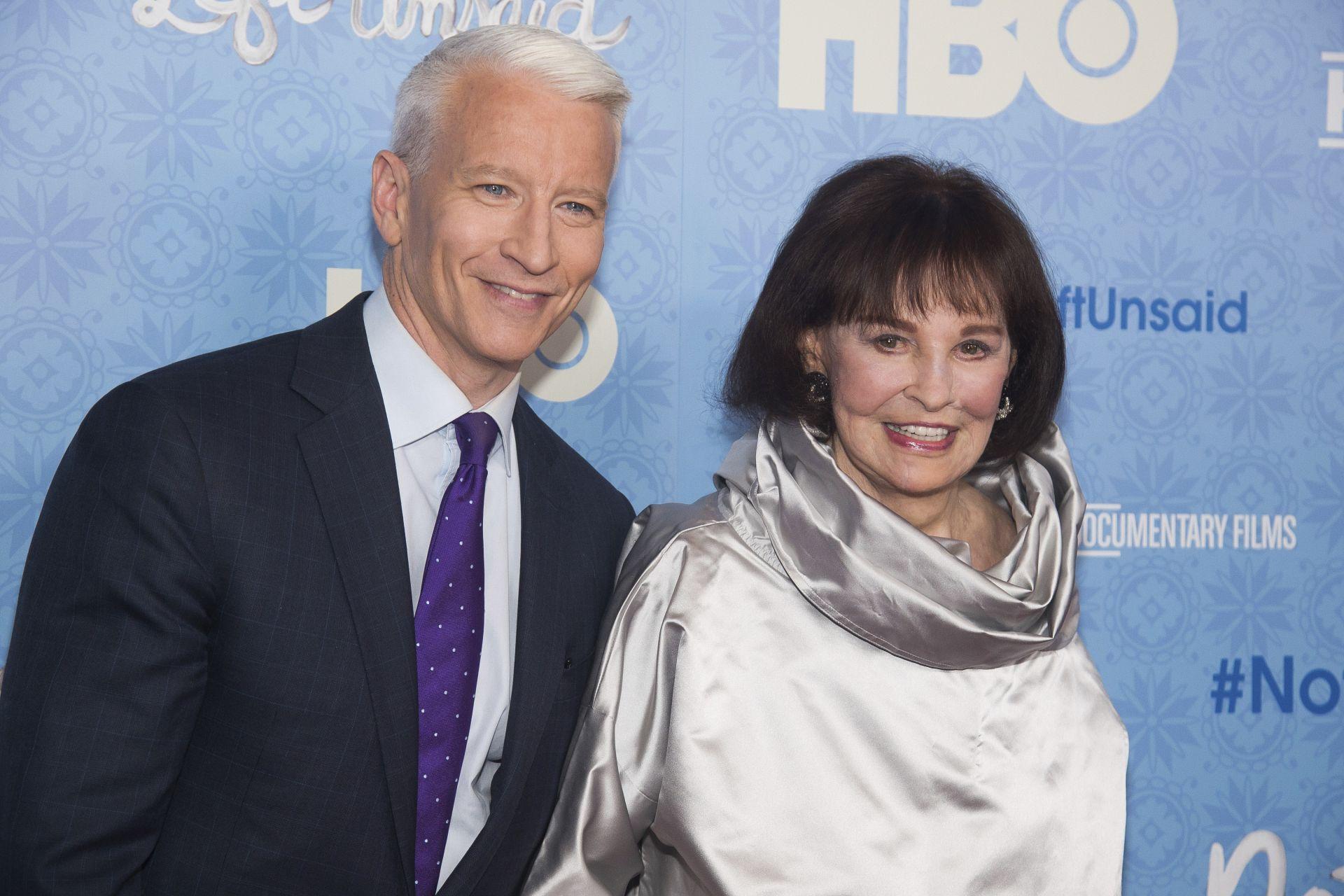 2016 година - майка и син заедно на телевизионна премиера