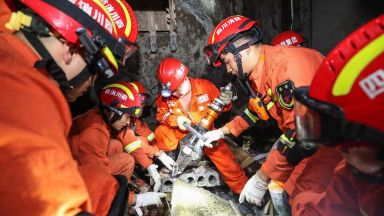 Земетресение Китай  взе най-малко 11 жертви, над 122-ма са ранените