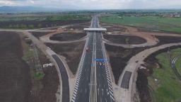 Падат панели под мостовата конструкция на Северната тангента