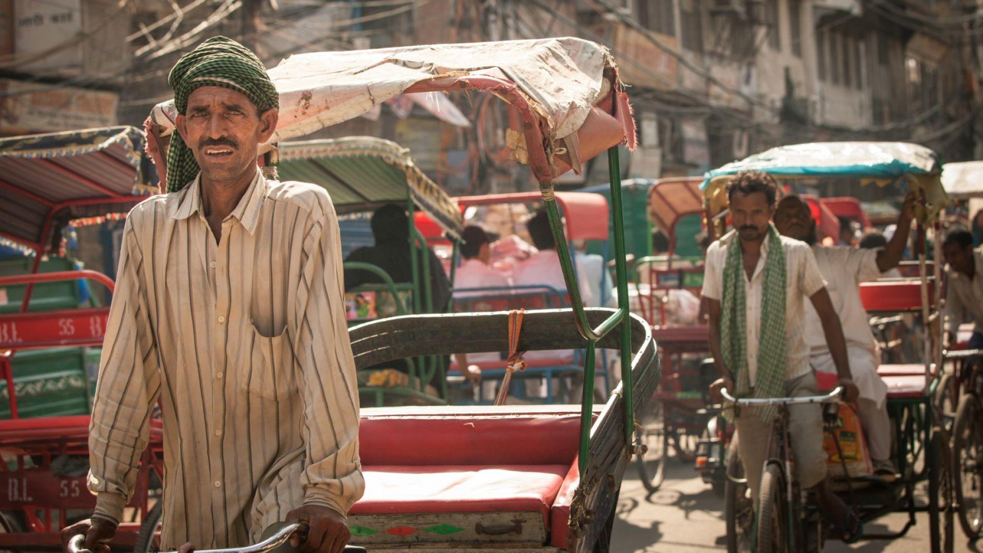 Близо 1000 жертви на мусоните в Южна Азия