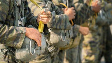 Канадец загина и трима са ранени при учение на НАТО в Чешнигирово