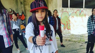 Българче победи в конкурс за авторска песен в Турция (видео)