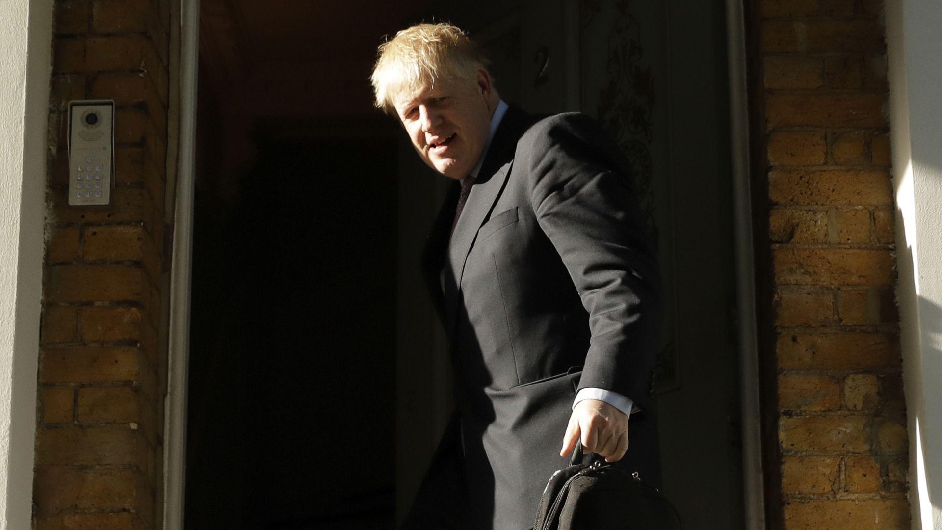 Борис Джонсън вади Великобритания от ЕС и без споразумение