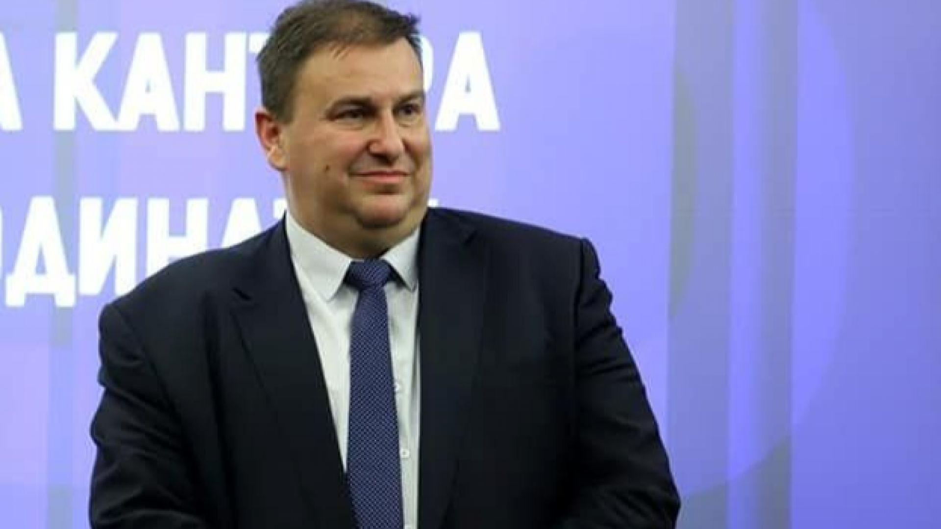 """Евродепутатът от """"списъка на Бойков"""": Гнусна поръчка е да ровиш в данните на онкоболни"""