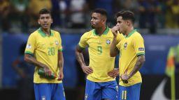 Бразилия освирква своите и проклина ВАР след идиотски мач