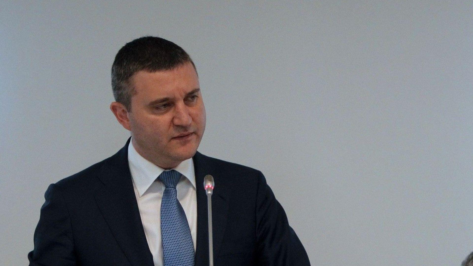 Горанов: Емитираме целия допустим дълг до края на годината
