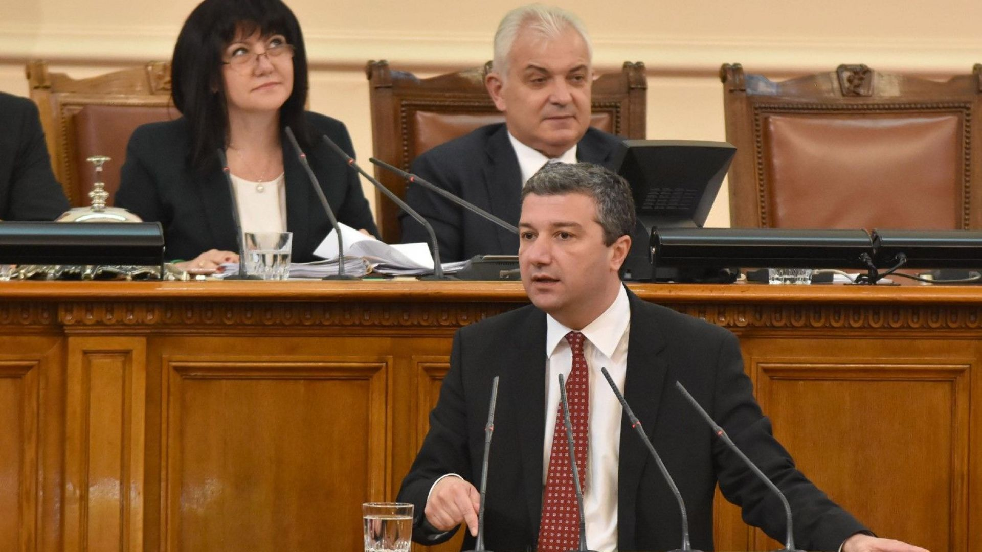 Съгласието между ГЕРБ и ДПС за партийните субсидии е целенасочена