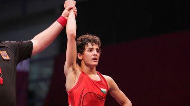 Назарян-младши за първи път се бори при мъжете и победи титуляра в категорията си