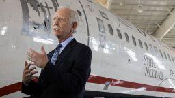 """Сали, пилотът-герой, разкри """"фатални дефекти"""" в самолетите Боинг 737 МАКС"""