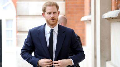 Принц Хари бил обсебен от Дженифър Анистън