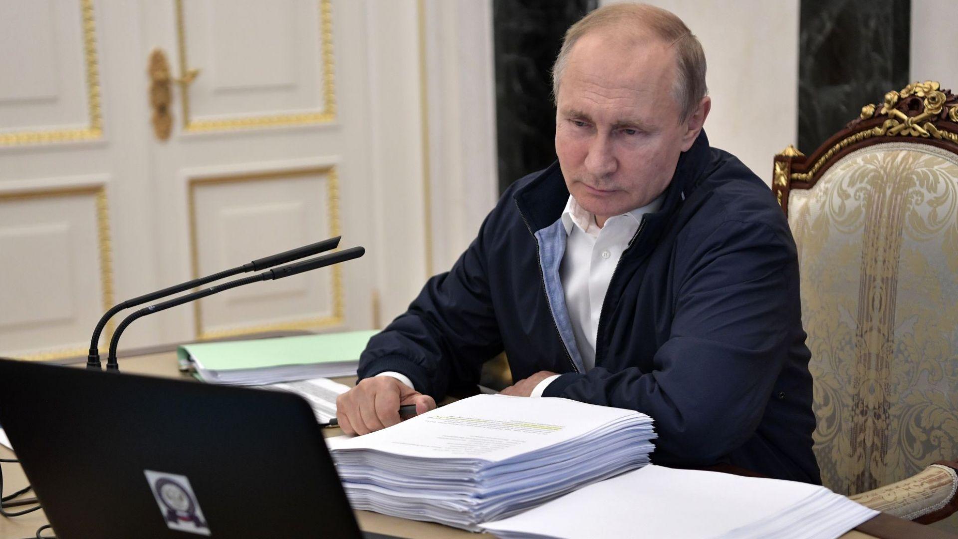 Днес руският президент Владимир Путин ще разговаря за 17-и път