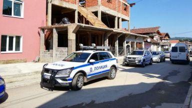 Поне петима задържани при спецакцията срещу лихварите в Берковица