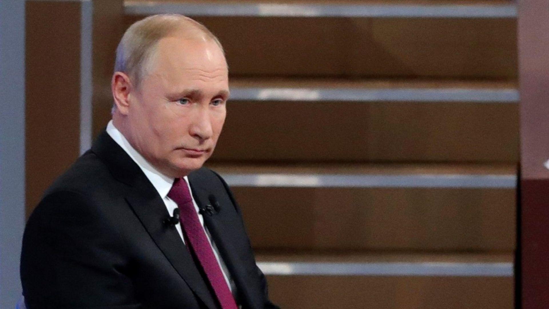 За първия час на предаването Пряка линия, в което руският