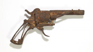 Кой купи револвера на Ван Гог за 162 500 евро?