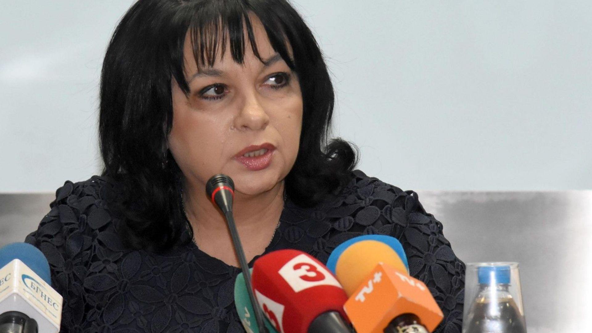 Правителството не се бърка в сделката на ЧЕЗ, обяви Теменужка Петкова